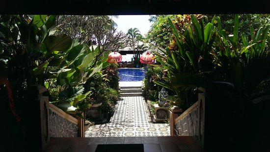 Adirama Beach Hotel: Walking in from Reception