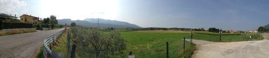 Albergo al Vignol: At the top of the village