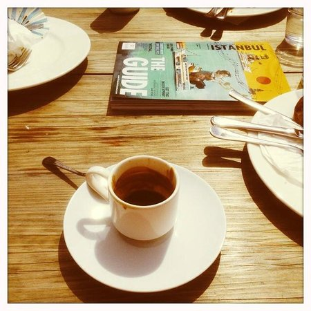 Adahan Istanbul : Breakfast at roof top