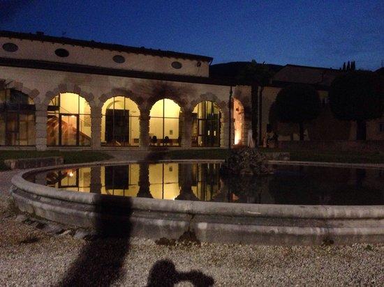 Albergo al Vignol: In the town