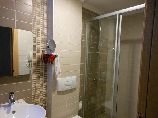 Almina Hotel: il bagno