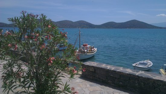 Little Train Tours: The seafront on the way to Plaka