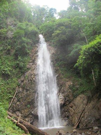 Khun Korn Waterfall: The waterfall