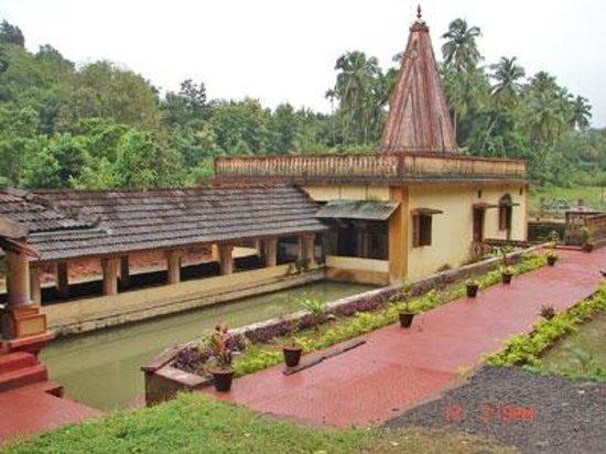 Sateri Devi Jal Mandir  |  Bilwas, Malvan, India