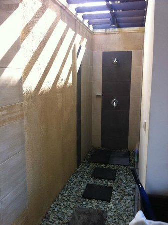 Transera Grand Kancana Villas Bali : Shower