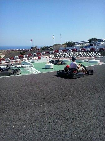 Go Karting San Bartolome: more fun around the track