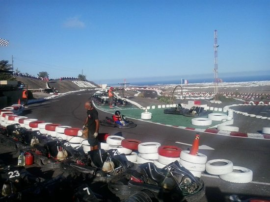 Go Karting San Bartolomé: more fun around the track