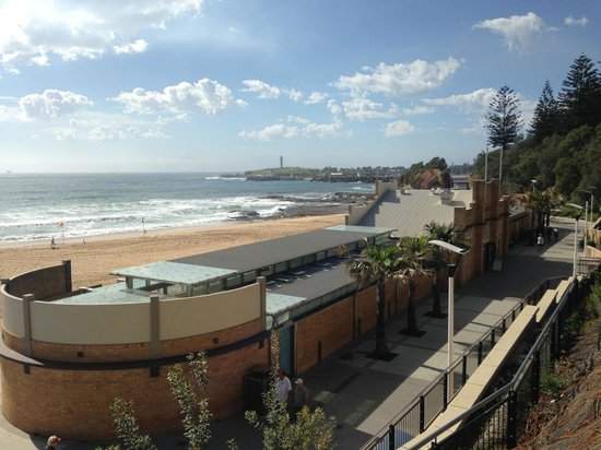 Novotel Wollongong Northbeach : Opposite hotel