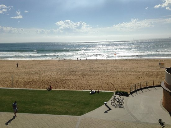 beach picture of novotel wollongong northbeach. Black Bedroom Furniture Sets. Home Design Ideas