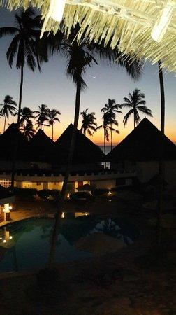 DoubleTree by Hilton Resort Zanzibar - Nungwi: Sunset