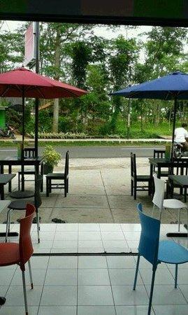 Teen's Cafe