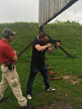 Prague Tours Direct Shooting Trips: MP5