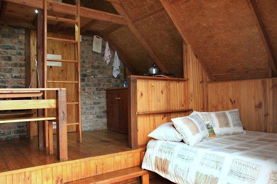 Kelvin Grove Guest House: 4 Sleeper River Cabin