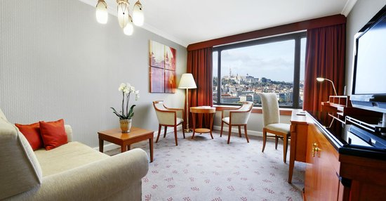 InterContinental Budapest: Suite with river view