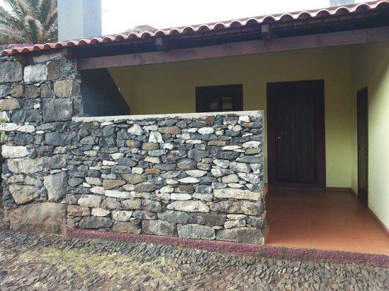 Ponta de São Lourenço : We slept outside this house for one night Craziest night ever