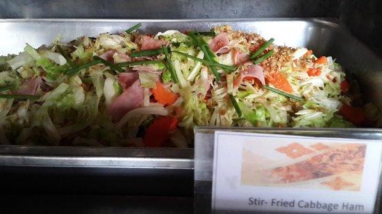 Khao Lak Emerald Beach Resort & Spa: Dinner buffet