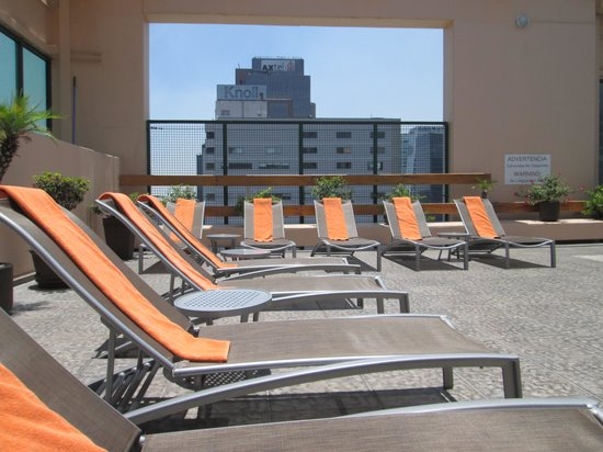 Sheraton Mexico City Maria Isabel Hotel: Pool Chairs