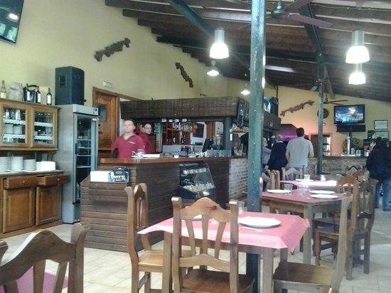 Parrilla La Veguca: Interior Restaurante
