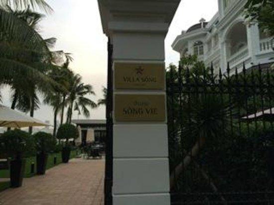 Villa Song Saigon: the side entrance