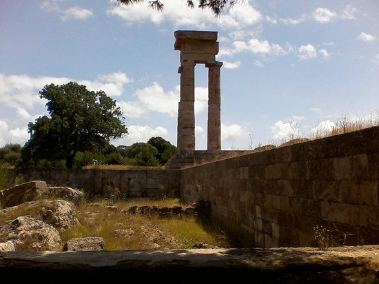 The Acropolis of Rhodes: Pillars