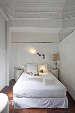 chic&basic Born Hotel: Doble pequeña