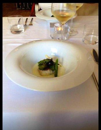 Sollun Restaurante - Pintada 23: Bacalao con parmentier de patata