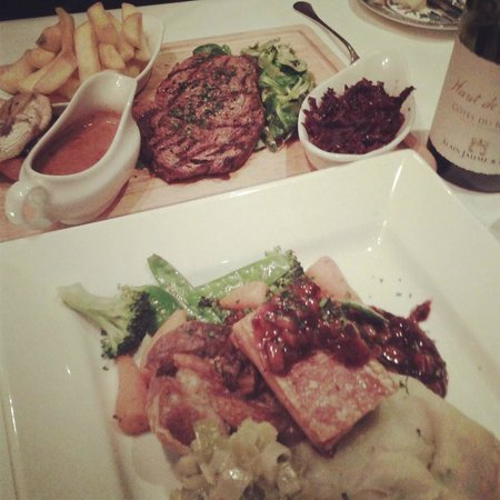 Penhelig Arms: Our mains were amazing and so tasty