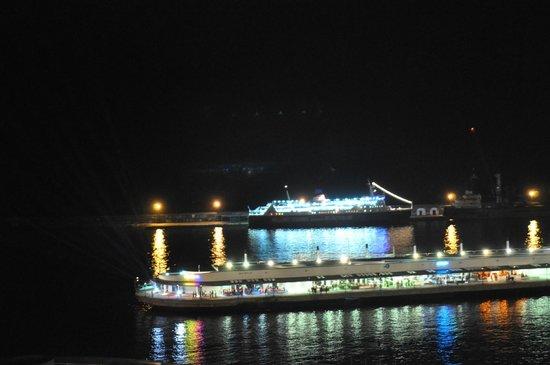 Hotel Marina Atlantico: Night view, from the room