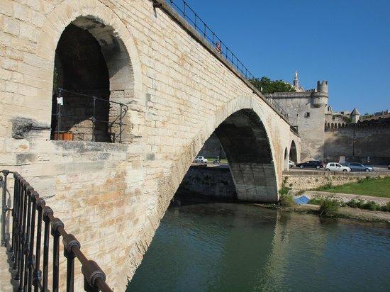 Pont Saint-Bénézet (Pont d'Avignon) : pont d'avignon