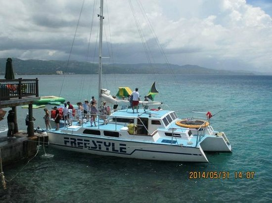 Jamaica Water Sports: Party time on Freestyle