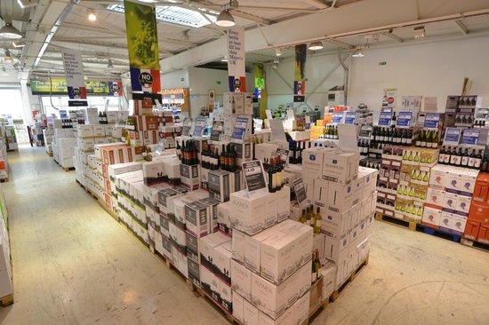 Majestic Wine Calais- Coquelles : Shop Floor