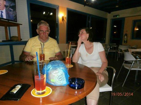 Kefalonitis Hotel Apts.: Brandy sours at the bar
