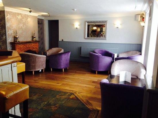 The Dolphin Inn: Bar seating area