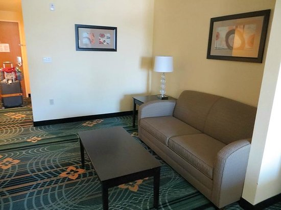 Holiday Inn Express Hotel & Suites Palm Bay: Sitting area