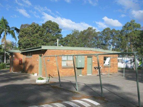 Bellhaven Caravan Park: Laundry & Store