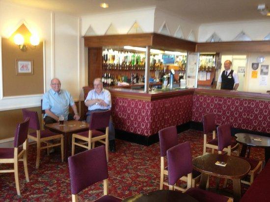 Monarch Hotel: Bar area