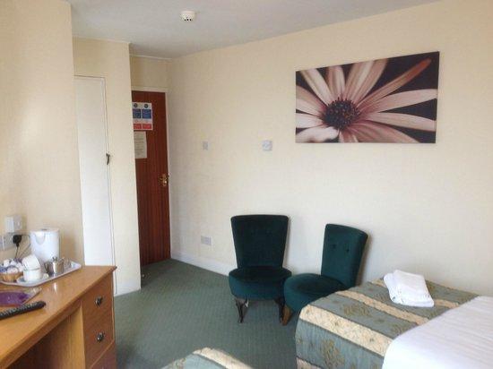 Monarch Hotel: Standard Room