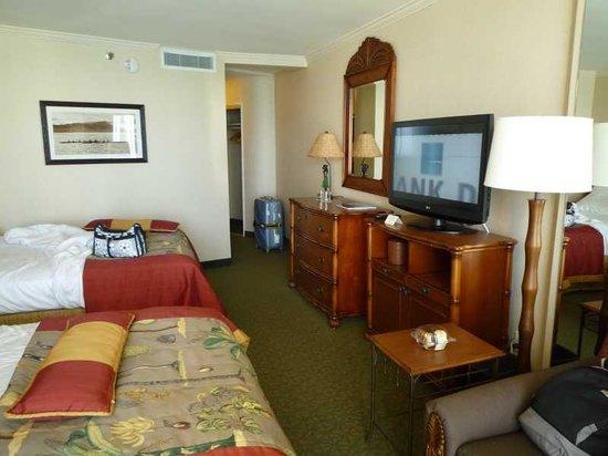 Outrigger Waikiki Beach Resort: キングザイズベッドが二つ