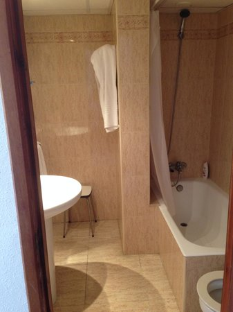 Hotel Moreyo: Bedroom