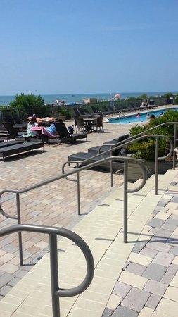 Oceans One Resort : pool area