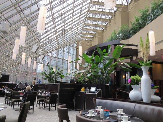 InterContinental Toronto Centre: Breakfast in the Azure restaurant
