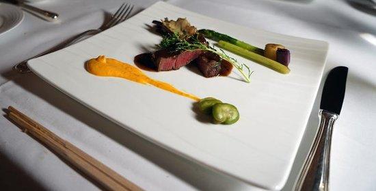 The Westin Osaka : 洋食レストランより肉料理