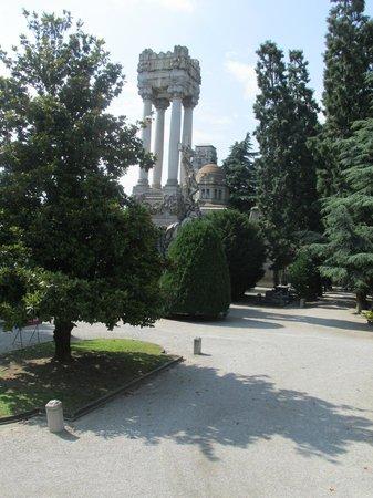 Cimetière Monumental : Cimitero Garden