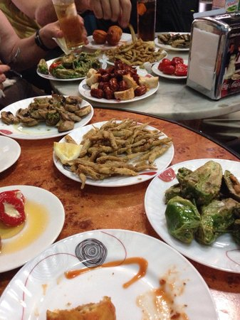 The Barcelona Taste: Delicious traditional tapas during the Gotico tour