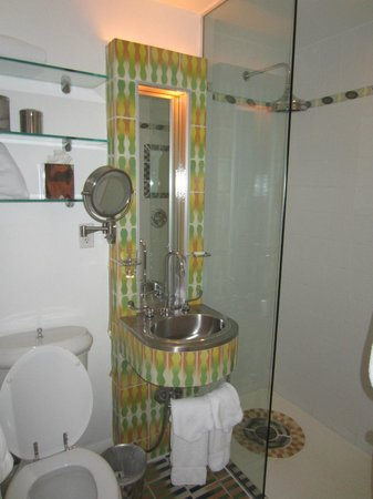 The Hotel of South Beach: Salle de bain