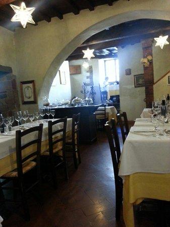 Villa Machiavelli Ristorante Albergaccio dal 1450: Adorable little restaurant at reasonable prices!