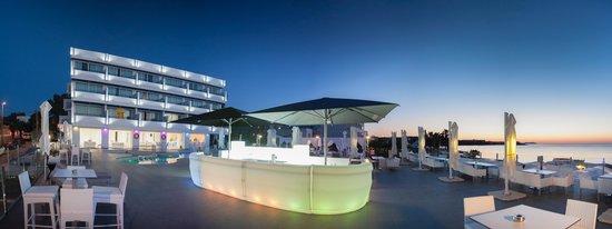 Marina Playa Hotel & Apartments: 5. Marina Playa Hotel Ibiza. General view