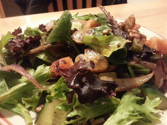 Smokey Bro's BBQ & Grill: Signature Salads