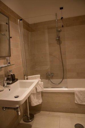 QuodLibet: Bathroom