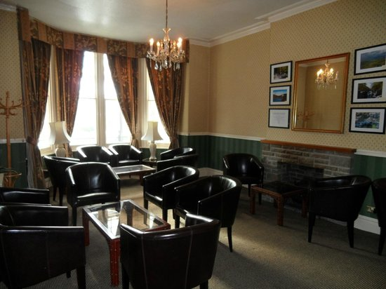 Glen Usk Hotel: Lounge